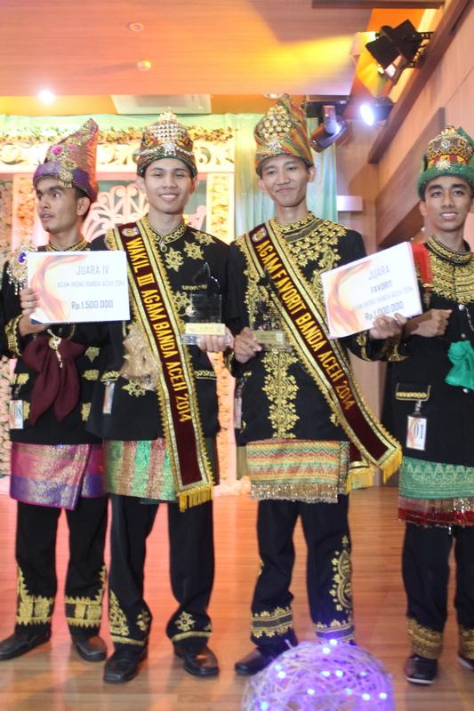 Mahasiswa Ekonomi Unsyiah Juara Agam Wakil III & Agam Favorit Duta Wisata Banda Aceh 2014