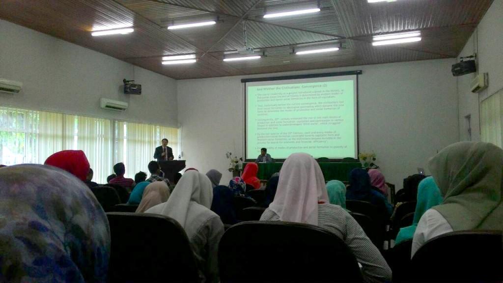 Pimpinan Durham University Beri Kuliah Umum Mengenai Islamic Finance