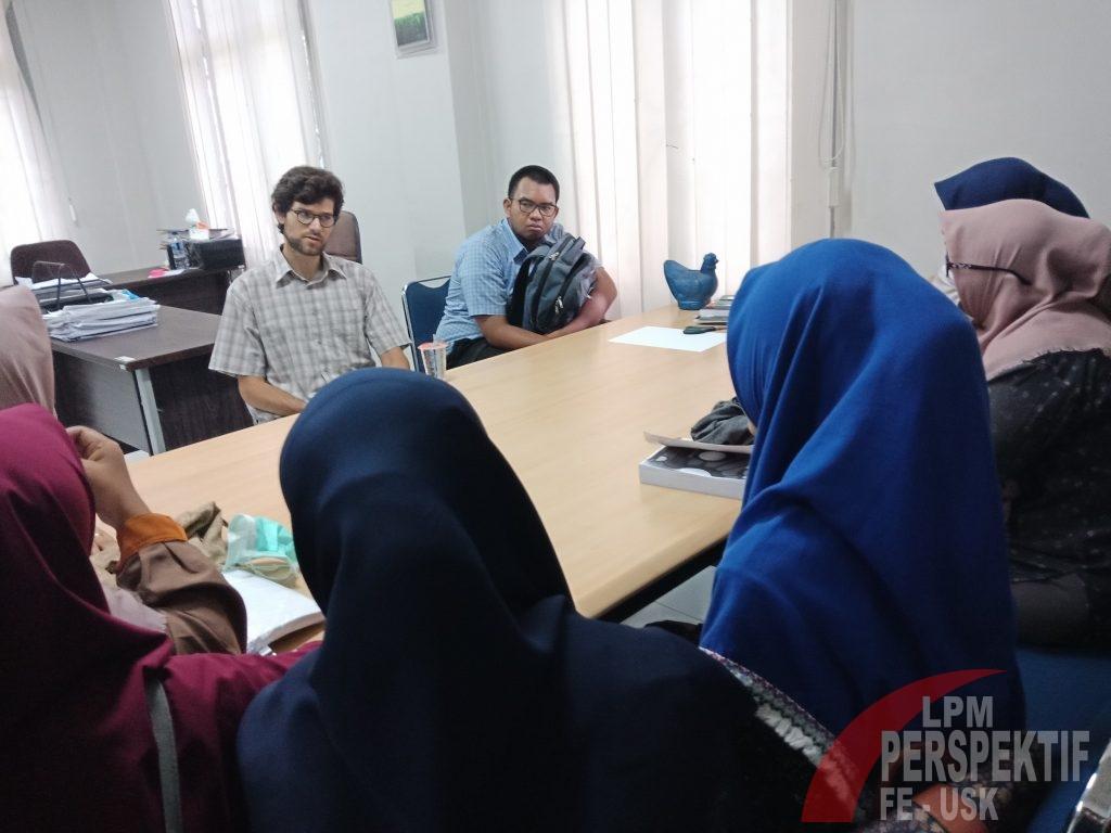 Antusiasme Mahasiswa Terhadap Wacana Kelas Internasional EKI