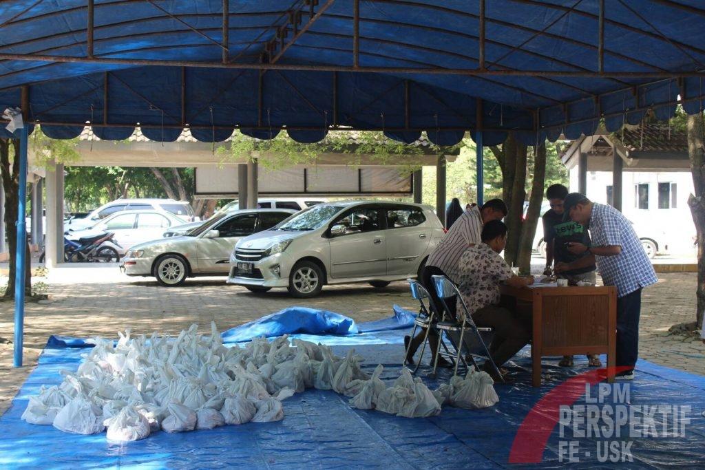 """""""Dari Kita untuk Kita"""", FEB Unsyiah Jadikan Meugang Sebagai Momen Menjaga Silaturahmi"""