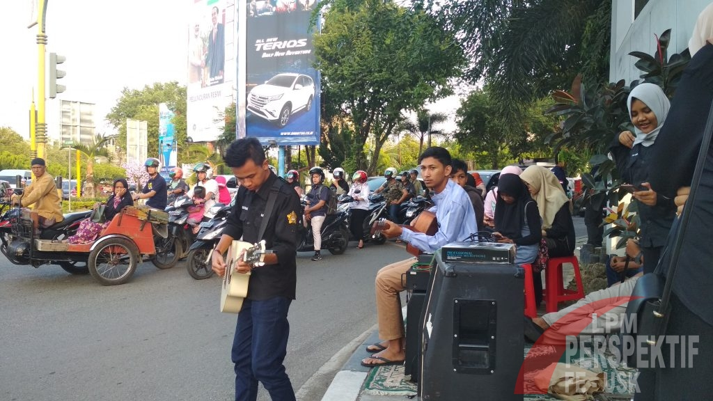 Street Music: Konser Amal Mahasiswa FEB Unsyiah untuk Selat Sunda