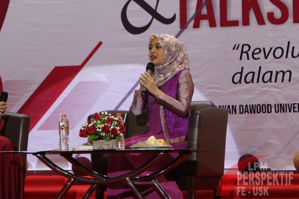 Tasya Kamila, Mahasiswa Ekonomi yang Berprestasi