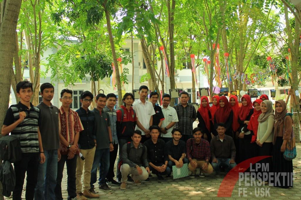 Foto Bersama Perwakilan UKM dan LPM dan Pembantu Dekan III FEB Unsyiah (Jauhar/Perspektif)